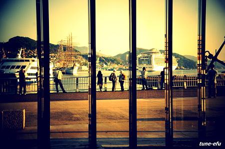 大型観光船の出港