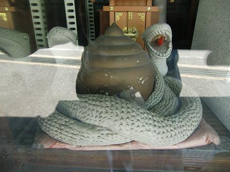 守護の白蛇3902