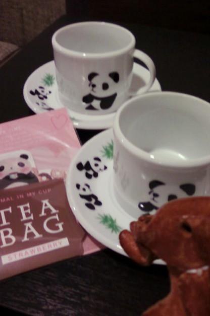 Photos: コーヒーカップもパンダ(飲み物はコーヒーでなく、フレーバーティー)