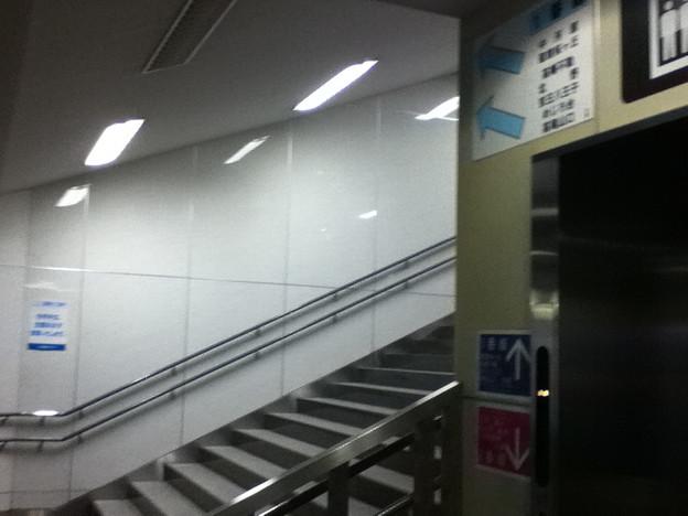 京王線分倍河原駅1番線への階段