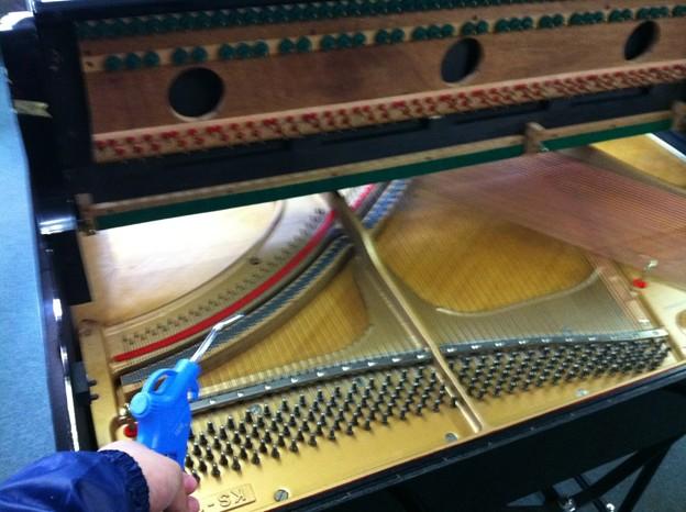 写真: カワイピアノ修理