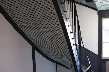 2012.01.26 長崎 羅典神学校 ド・ロ神父設計 カーブ状の階段