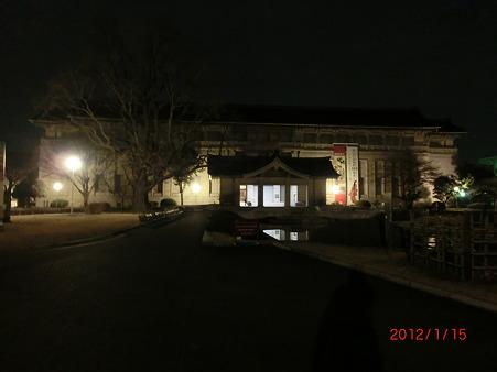 夜の東京国立博物館