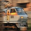 Photos: 早朝の貨物列車(EF66) 1/30秒 流し撮り