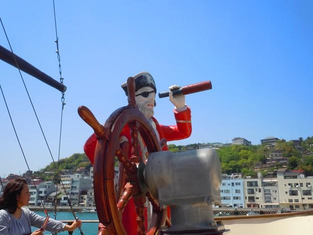 Photos: 進路は東: 海賊船に乗ってみた♪