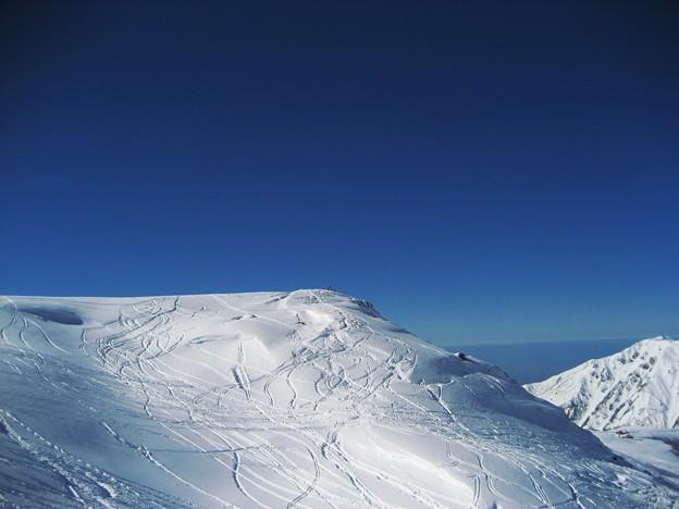 立山 シュプールと日本海  2007-11-25