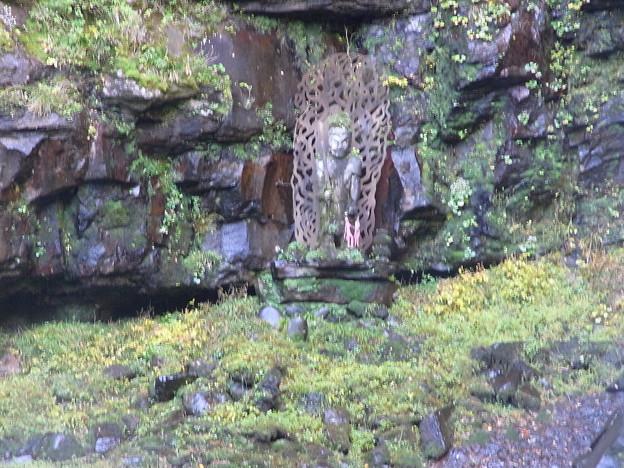 Photos: 滝の横にある